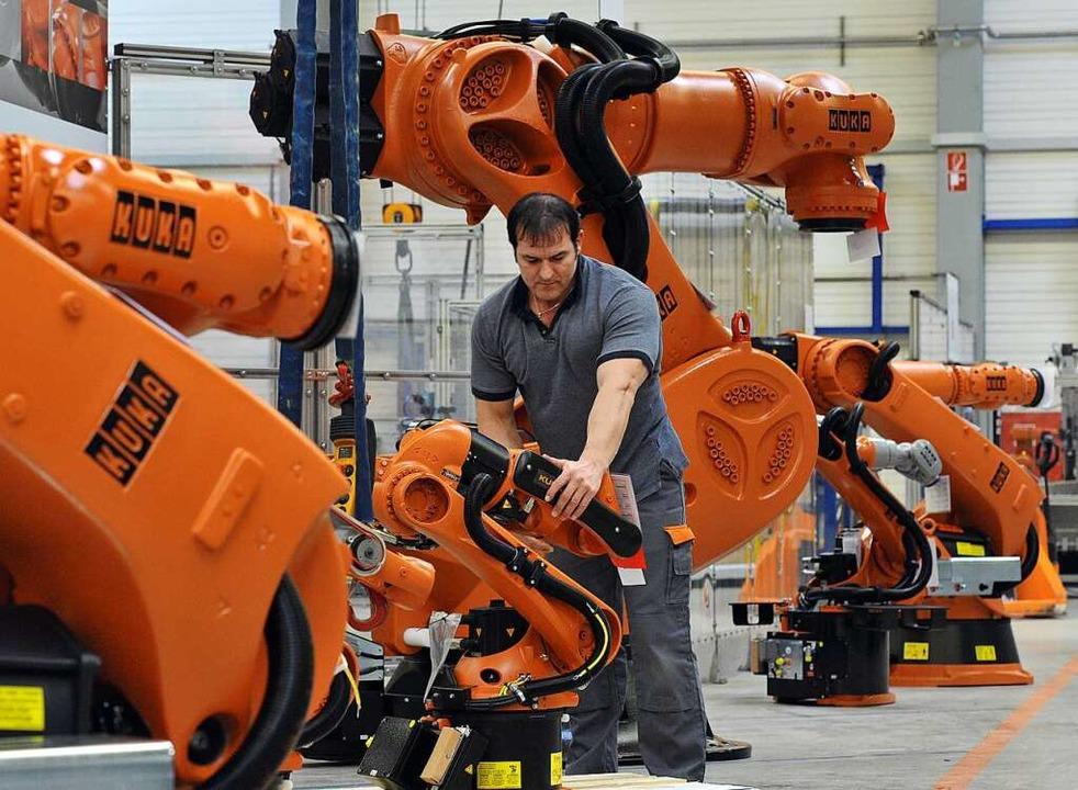 Gilt als Perle der deutschen Industrie: der Roboterbauer Kuka.     Foto: Stefan Puchner