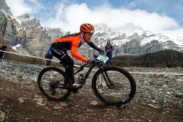 Schnee und Wind lassen Nina Benz beim Swiss Bike Cup kalt