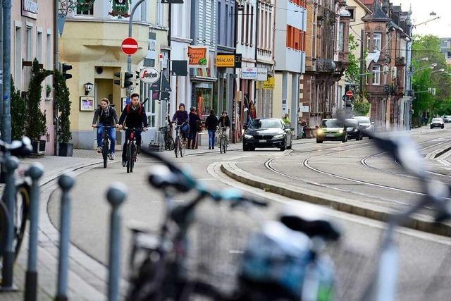 Polizei kontrolliert, ob Abstände zu Radlern eingehalten werden