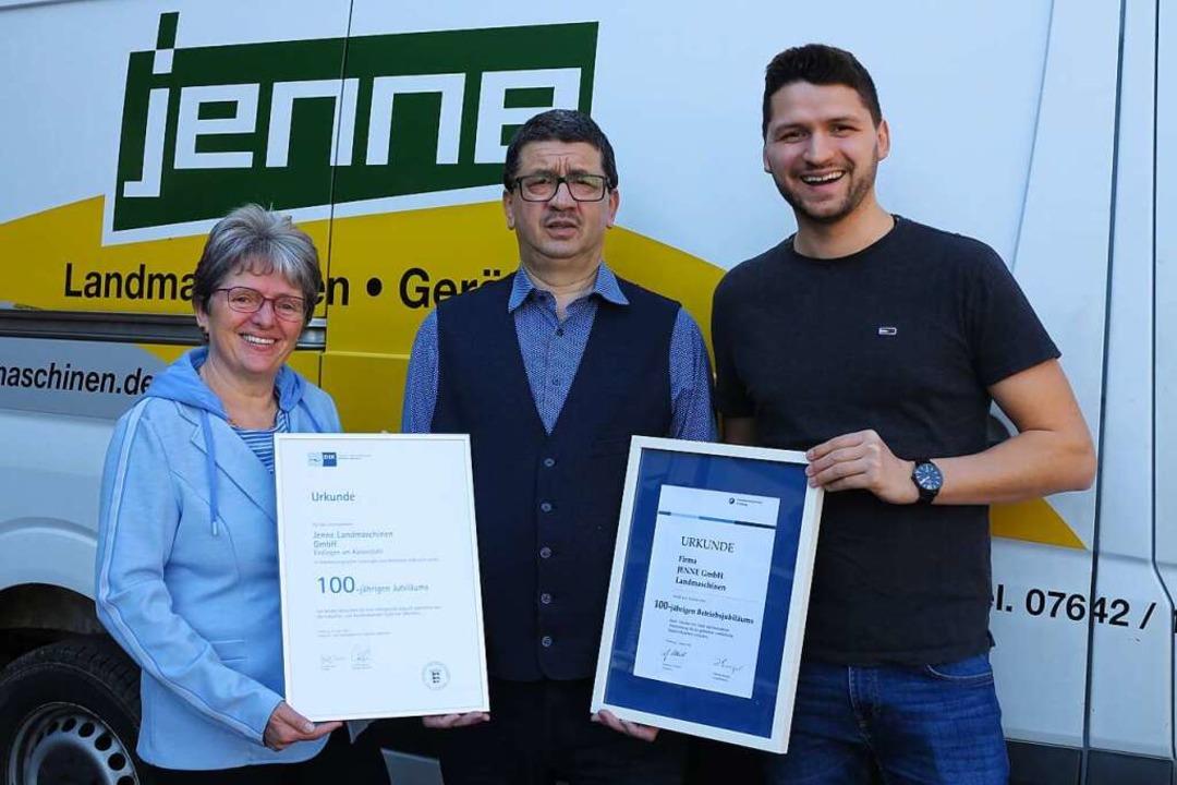 Beatrix, Jürgen und Joachim Jenne (v. ...d IHK zum 100-jährigen Firmenbestehen.  | Foto: privat