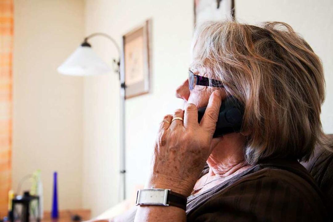 Ein Tipp: Polizisten würden nie anrufe...ch Geld zu bitten oder es einzufordern  | Foto: cc-images  (stock.adobe.com)