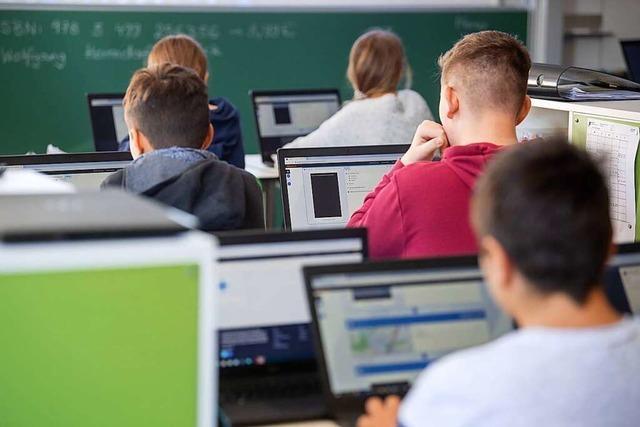 Markgräfler Gymnasium Müllheim führt Informatikwahlfach für Mittelstufe ein