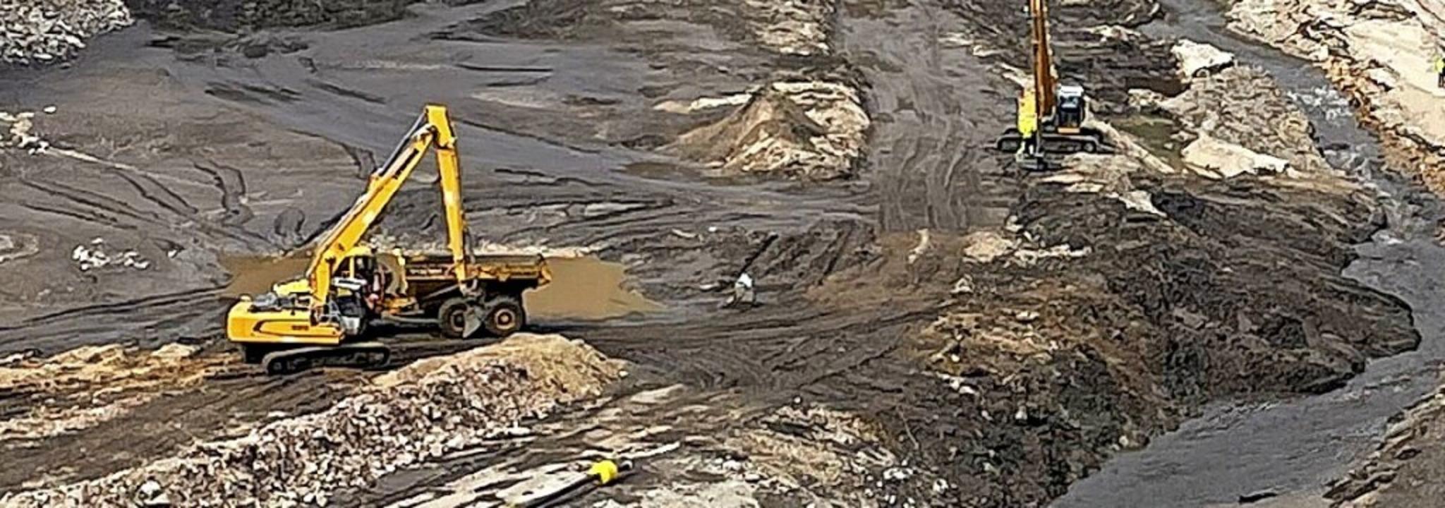 Die Sanierungsarbeiten am und im Staub...den noch bis zum Spätsommer andauern.   | Foto: Schluchseewerk AG
