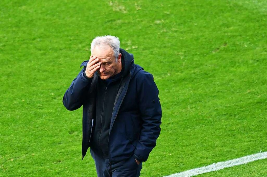 SC-Trainer Christian Streich im Spiel gegen Hertha BSC.    Foto: Annegret Hilse (dpa)