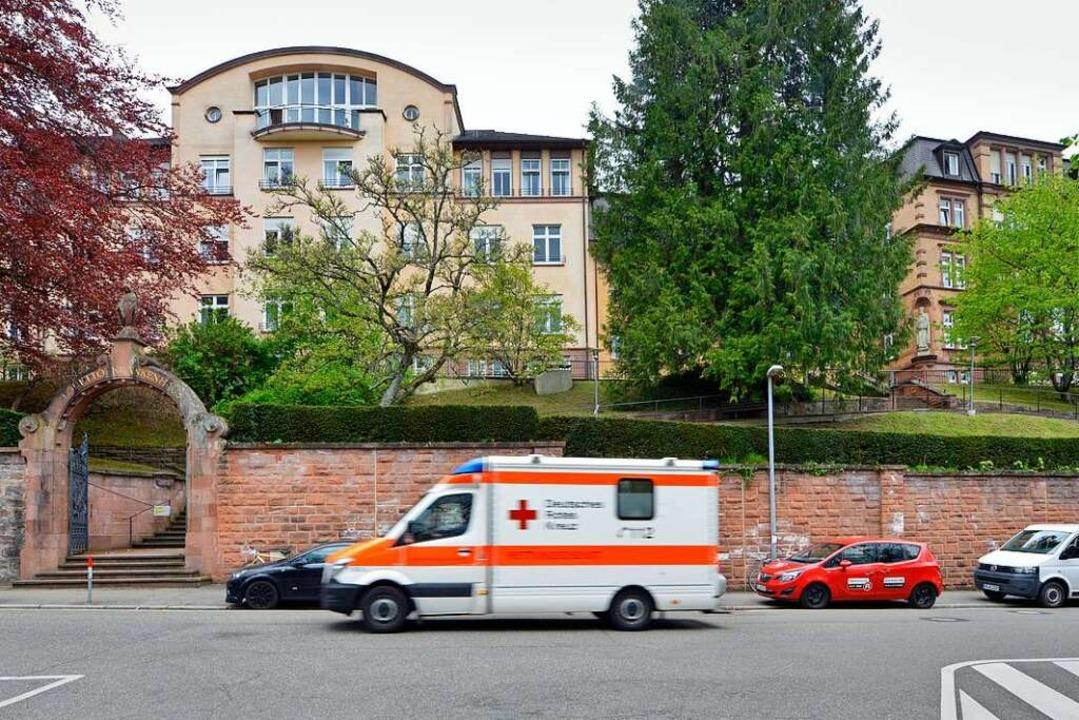 Das Lorettokrankenhaus heute, rechts d...inzwischen von der Verwaltung genutzt.    Foto: Michael Bamberger