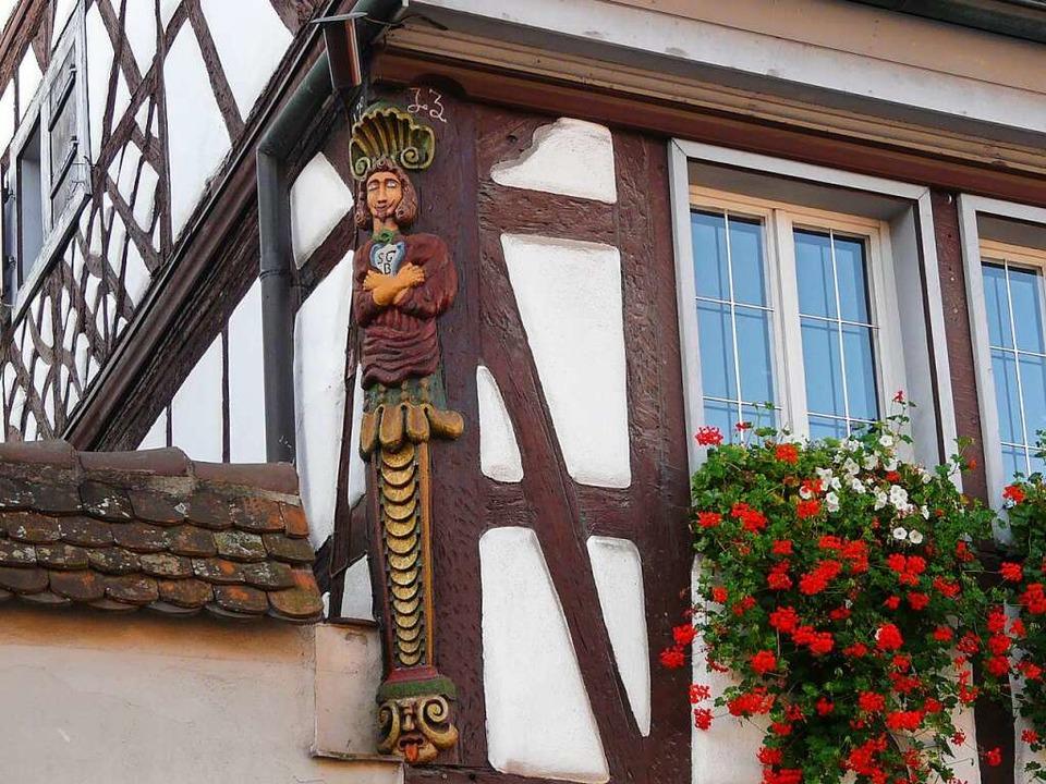 Die Eckständerfigur am Gebäude der ehe...-Württemberg, das demnächst erscheint.  | Foto: Josef Gürtner