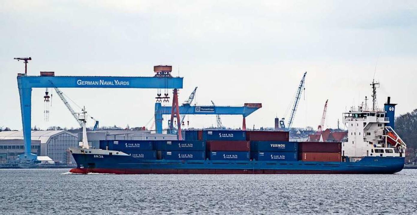 Der deutsche Export arbeitet sich zune...das Niveau vor der Corona-Krise heran.  | Foto: Axel Heimken (dpa)