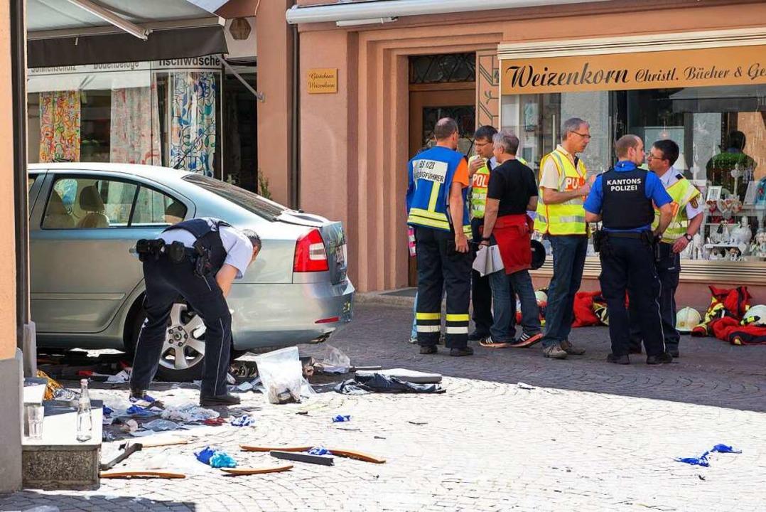 Ein Autofahrer war am 7. Mai 2016 in z...santen und Helfern sind nicht erfasst.  | Foto: Simon Ertler