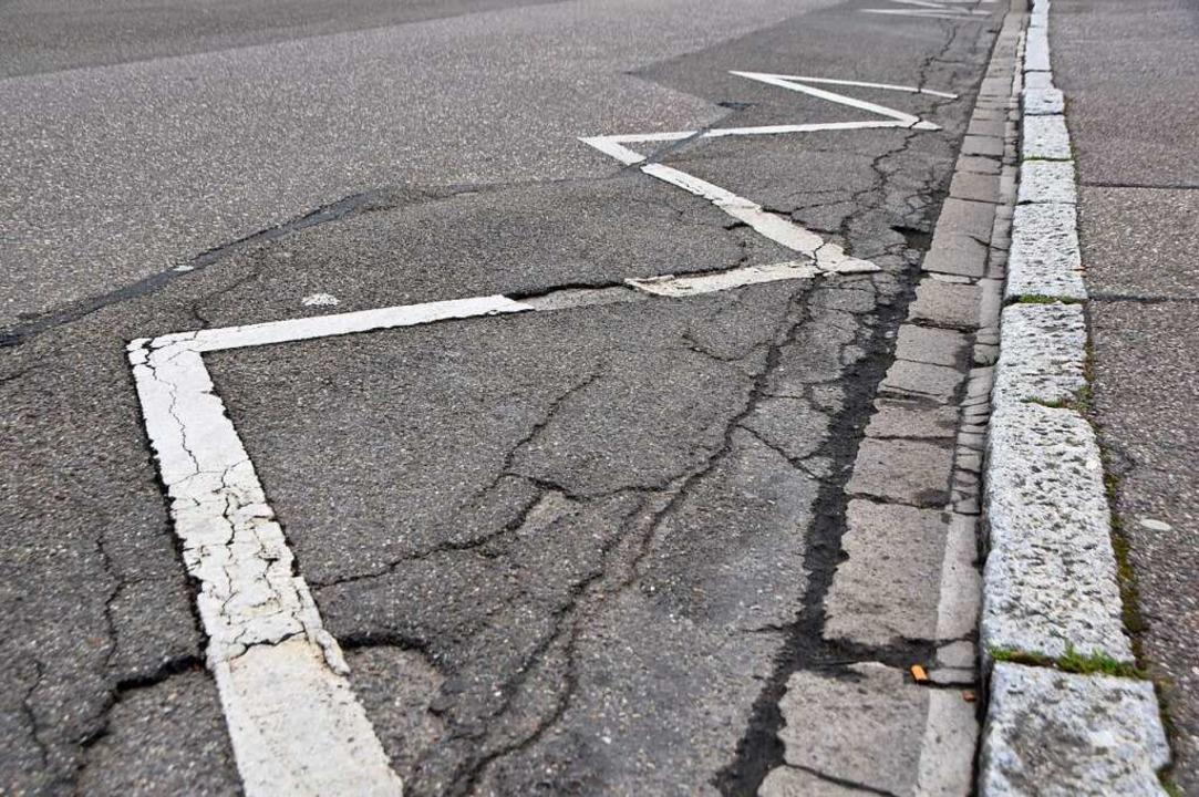 Schäden an der Elsa-Brandström-Straße  | Foto: Horatio Gollin