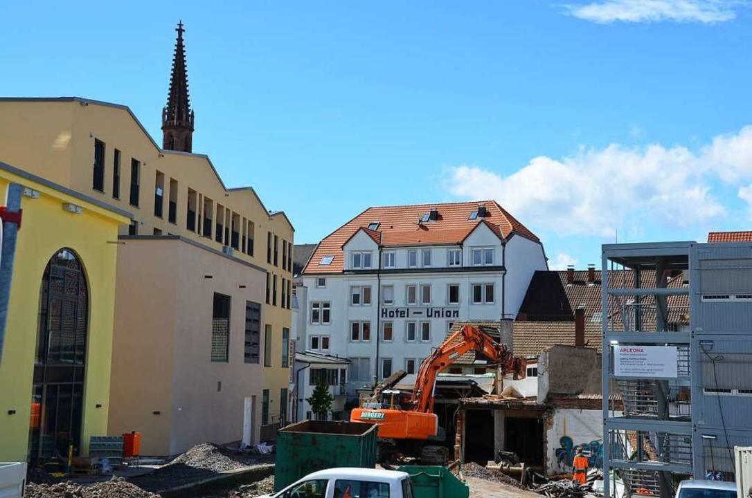 Das Areal hinterm neuen Einkaufsquartier Rée-Carré in Offenburg wird aufgeräumt.    Foto: Stadt Offenburg