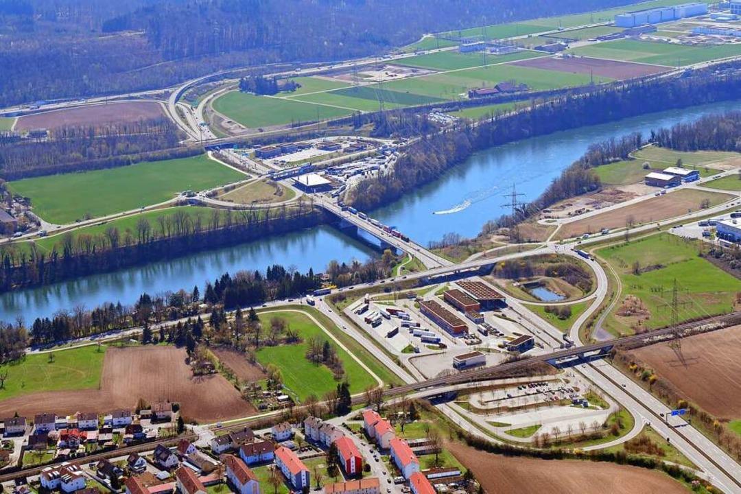 Das Gewerbegebiet Einhäge (rechts oben) soll mit neuer Kraft vermarktet werden.    Foto: Erich Meyer