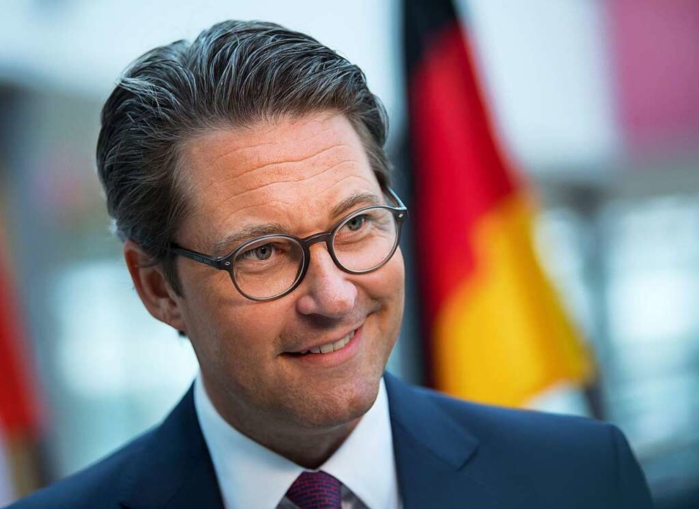 Allenfalls ein Klimaverbesserer, noch ...tter: Verkehrsminister Andreas Scheuer  | Foto: Hendrik Schmidt (dpa)
