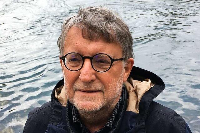 Der Basler Dominik Wunderlin erhält die Hebelplakette
