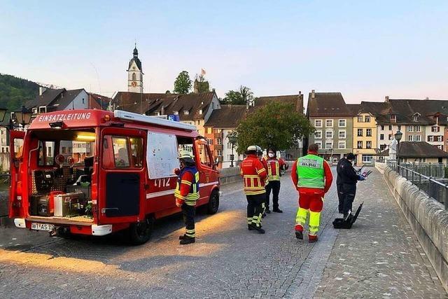 Großeinsatz in Laufenburg nach Sprung von der Brücke in den Rhein