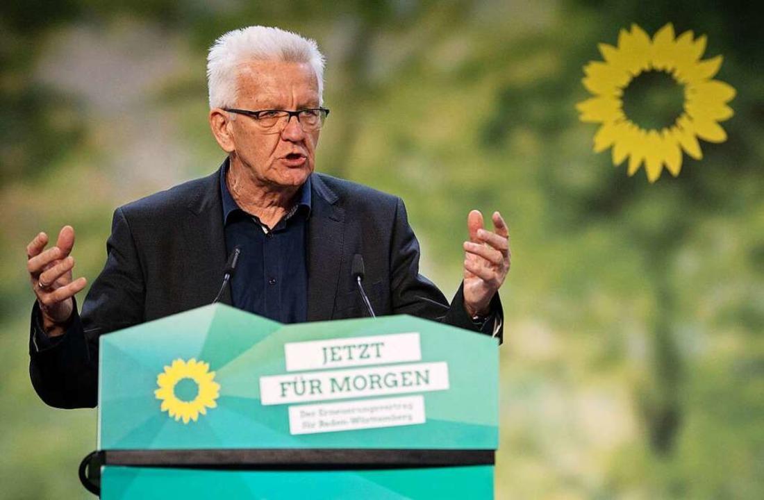 Ministerpräsident Winfried Kretschmann...de auf dem Landesparteitag der Grünen.  | Foto: Marijan Murat (dpa)