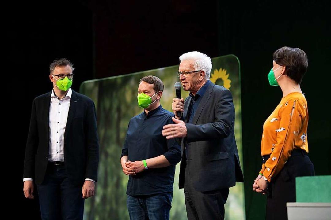 Die Führung der Südwest-Grünen nach der erfolgreichen Abstimmung.  | Foto: Marijan Murat (dpa)