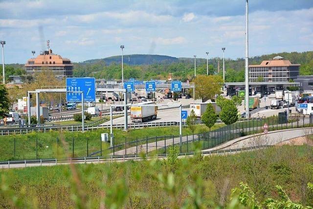 Bürotürme am Weiler Autobahnzoll sollen abgerissen werden
