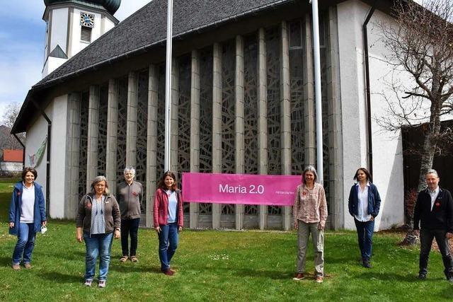 Maria 2.0 weist Stationenweg in Hinterzarten aus