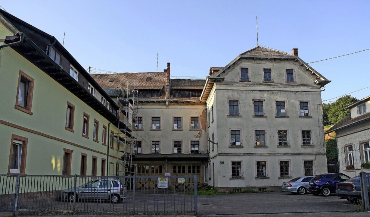 Die alte Zigarrenfabrik zu Wohnungen umzubauen ist noch nicht gelungen.     Foto: Bettina Schaller