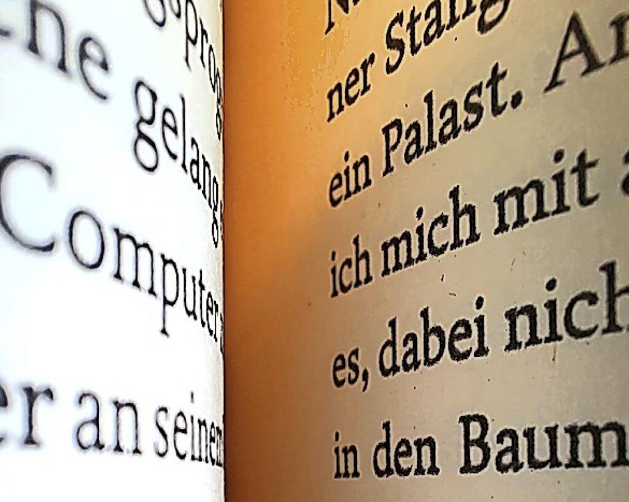 Bücher und andere Medien können jetzt ... in der Mediathek ausgeliehen werden.   | Foto: Erika Bader