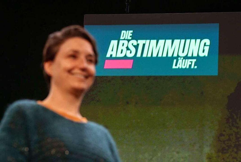 Beim digitalen Parteitag von Bündnis 9...a Detzer begrüßte die Zustimmung dazu.    Foto: Marijan Murat (dpa)