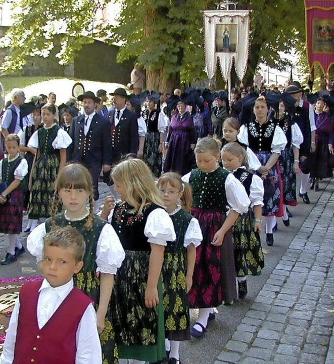 Bei kirchlichen Festtagen  wie  der Fr...gerne getragen und auch stolz gezeigt.  | Foto: Manfred Lange