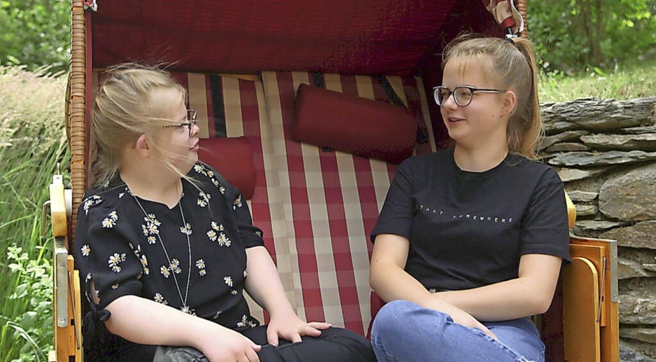 Die Zwillinge Elisabeth (li) und Victoria  | Foto: Andrea Schuler