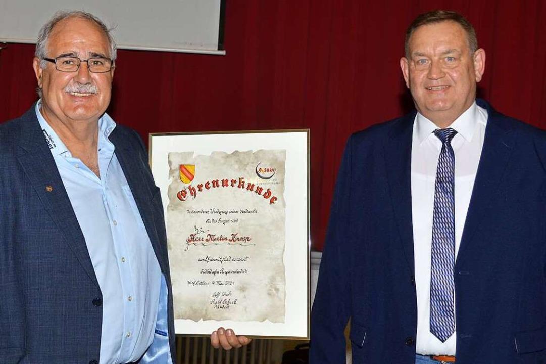 Geordnete Übergabe: Martin Knosp (links) und sein Nachfolger, Ralf Schick    Foto: Lothar Herzog