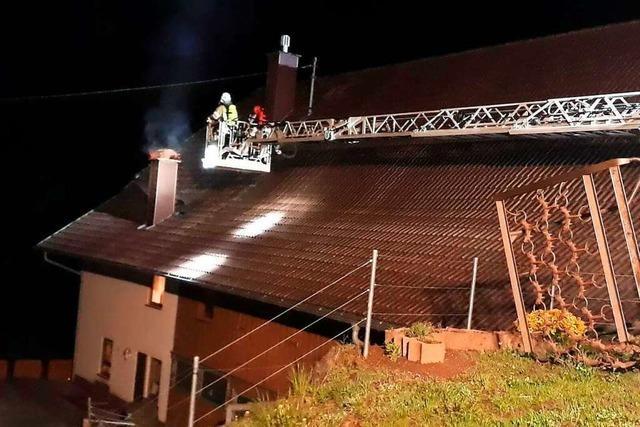 Nächtlicher Kaminbrand in Biederbach