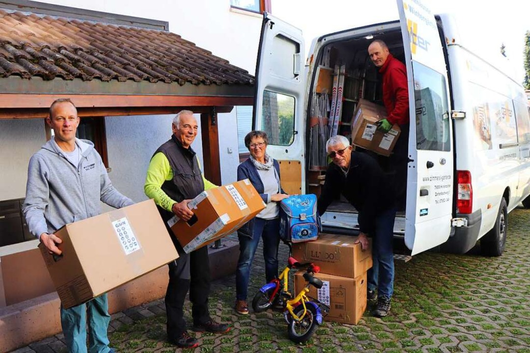 182 Pakete mit Hilfsgüter sowie Kinder...nger, Manfred Lang und Rainer Steiert.  | Foto: Dieter Maurer