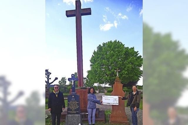 Spende für Friedhofskreuz