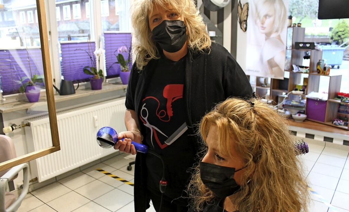 Waschen, schneiden, föhnen nur mit Mun...chenschwand herrschen strenge Regeln.     Foto: Cornelia Liebwein