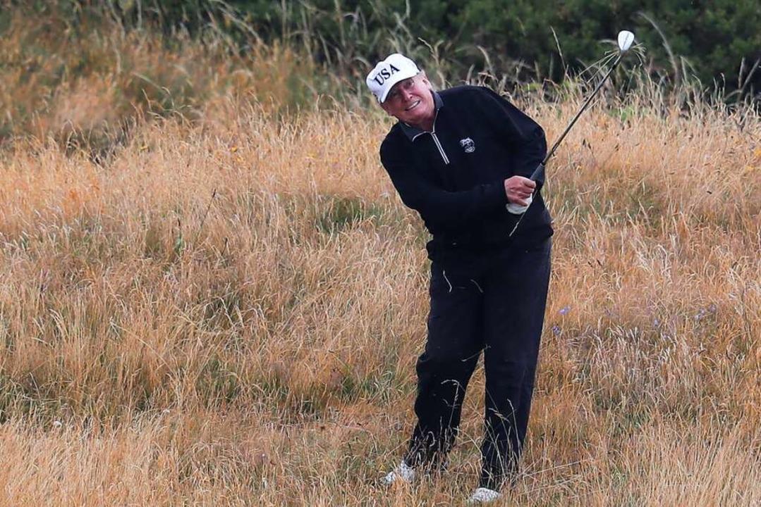 Donald Trump beim Golfen (2018)    Foto: Andrew Milligan