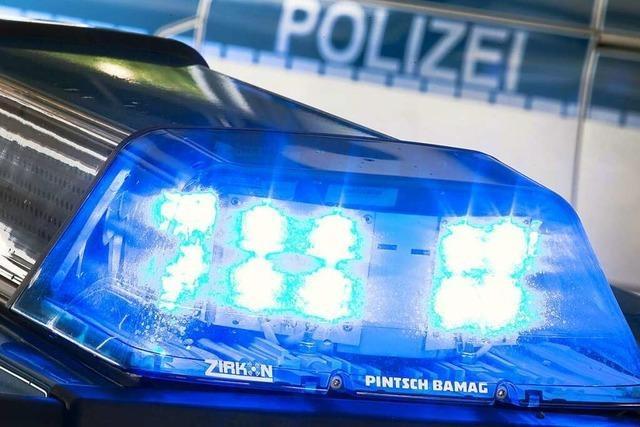 Streit zwischen Pkw-Fahrer und Radfahrerinnen auf der Kreisstraße bei Britzingen
