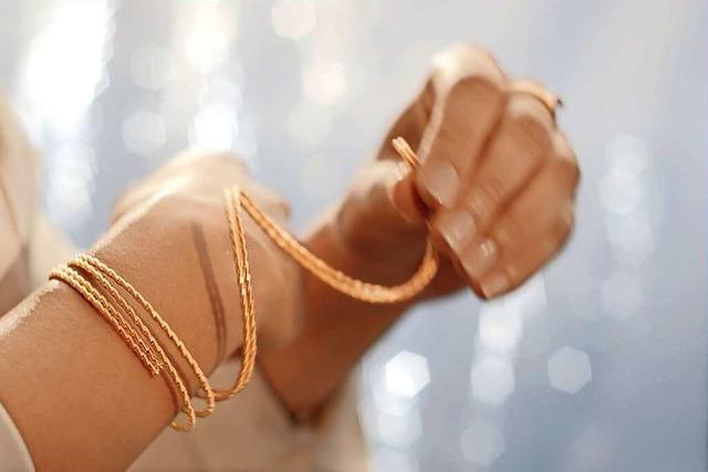 Ein Gold-Armband, das umarmt – Weltneuheit von Wellendorff