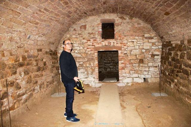 Martin Weber darf alten Gewölbestollen in Ringsheim in einen Weinkeller umbauen