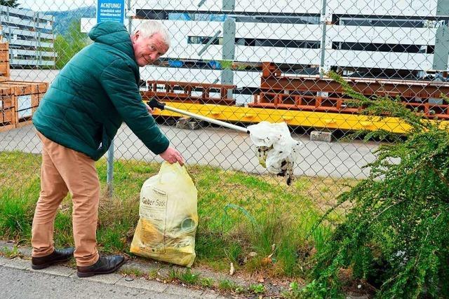 Der Kirchzartener Richard Scherrer sammelt regelmäßig achtlos Weggeworfenes