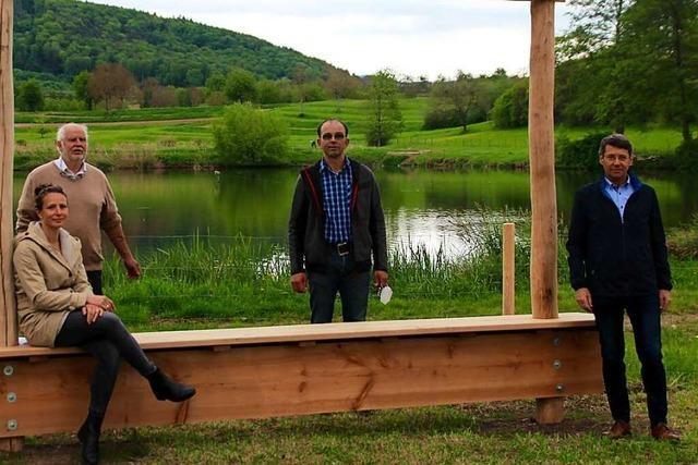 Die Stadt Ettenheim stellt große Holzrahmen auf, damit Wanderer Fotos teilen