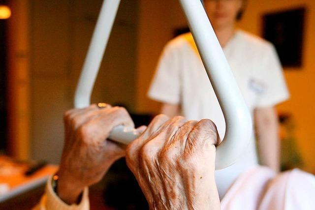 Wie Pflegeberatung Betroffene und Angehörige unterstützen kann
