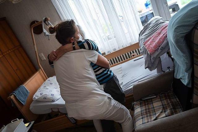 Älteren Menschen fällt es schwer, Pflegebedürftigkeit nachzuweisen