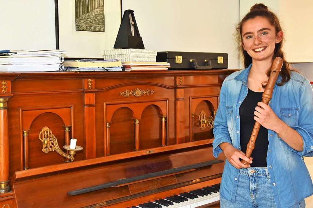 Constanze Mohr mit ihrer Blockflöte  | Foto: Andrea Steinhart