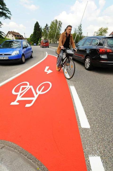 Kein Zustand: Radfahrer in Steinen leb...egs ist dennoch weiter in der Schwebe.    Foto: Robert Bergmann