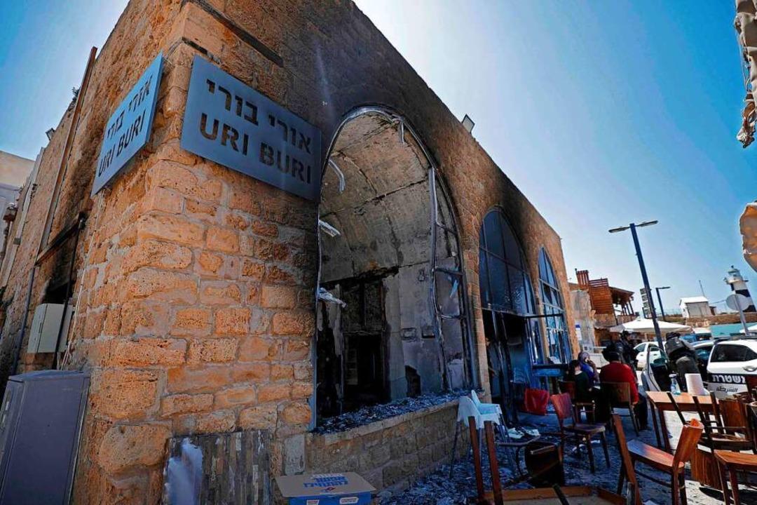 Ein getroffenes Restaurant in Israel    Foto: JALAA MAREY (AFP)