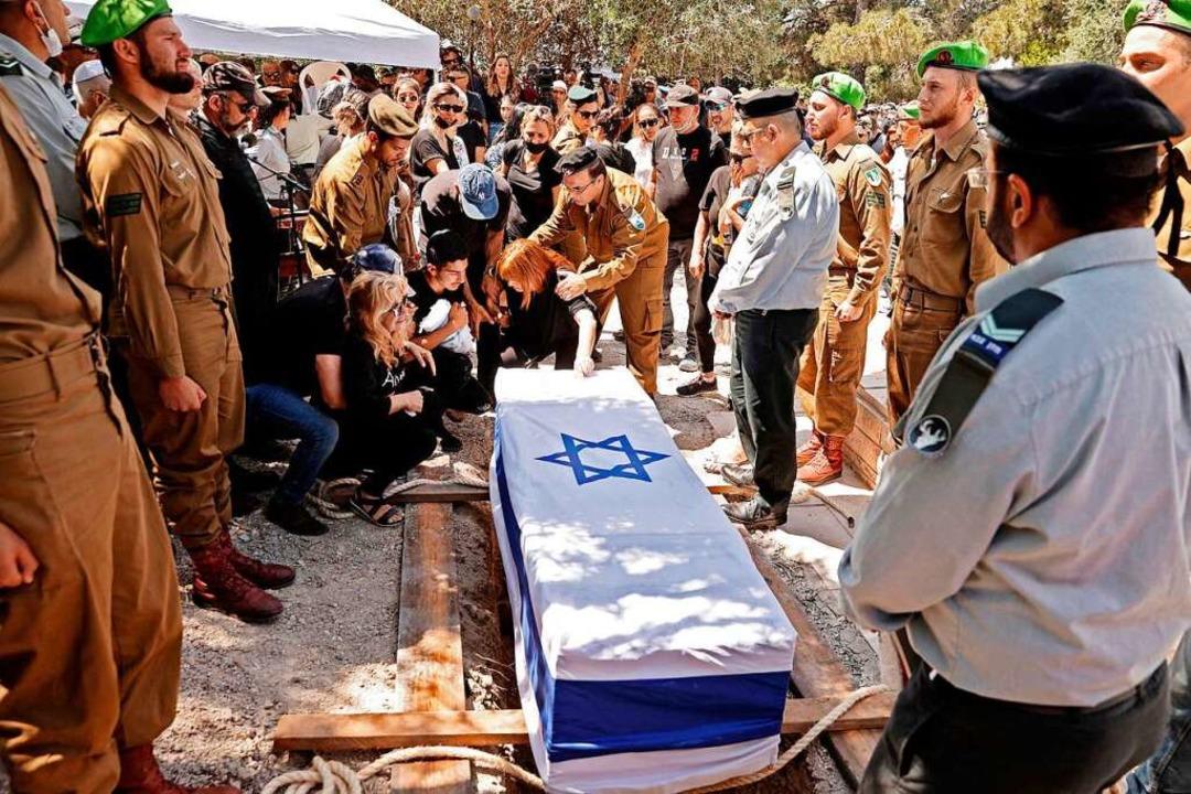 Ein israelischer Soldat wird begraben.    Foto: JACK GUEZ (AFP)