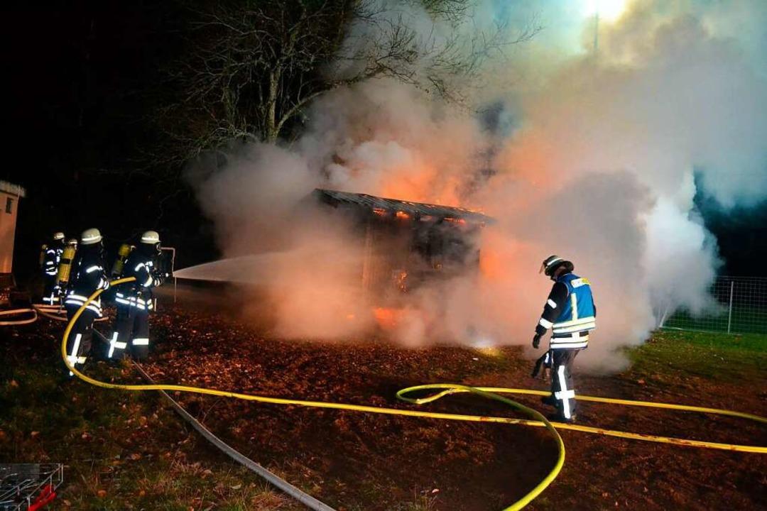 Der als Jugendraum genutzte Bauwagen war vergangenen November ausgebrannt.  | Foto: Liane Schilling