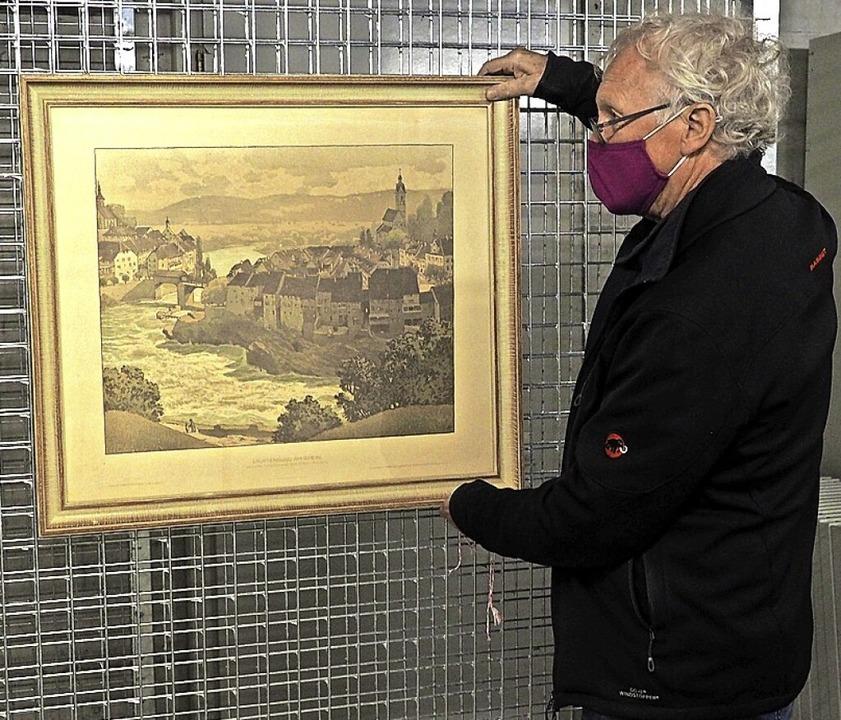 Der Präsident des Museumsvereins Laufe... Archiv in der Zivilschutzanlage  auf.  | Foto: Thomas Wehrli