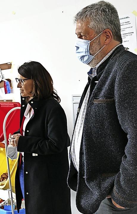 Über das Projekt informierte sich Rita...er gemeinsam mit Bürgermeister Scharf.    Foto: Juliane Kühnemund