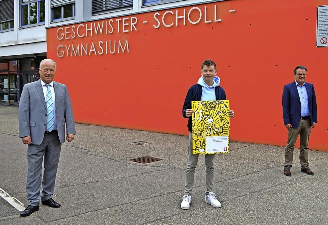 Austauschschüler Jacob Spegel (Mitte) ...Zickgraf nach dem Treffen im Gymnasium  | Foto: Nikolaus Bayer