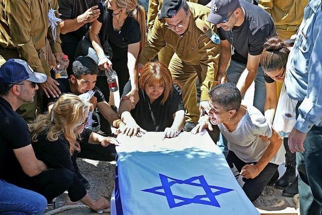 Tel Aviv erstmals am Tag angegriffen