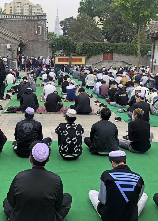 Muslime in der Niujie-Moschee  | Foto: Fabian Kretschmer